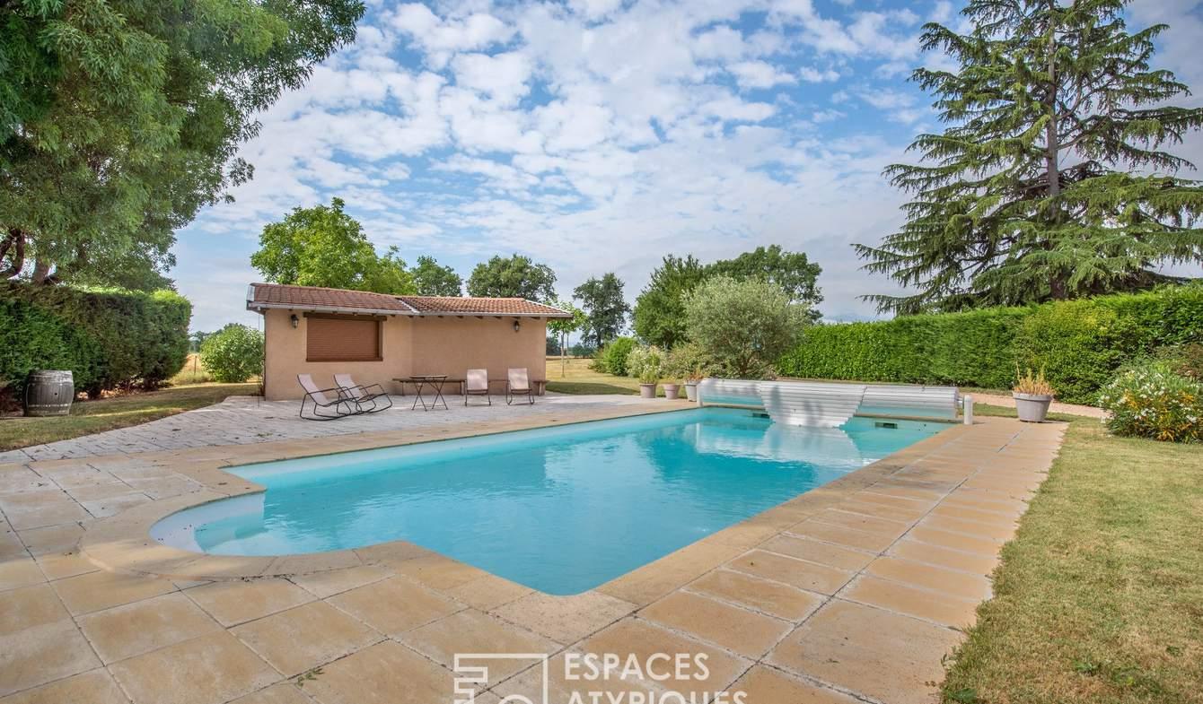 Maison avec piscine et terrasse Dracé