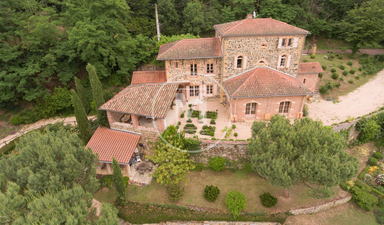 Maison avec piscine et terrasse Saint-verand