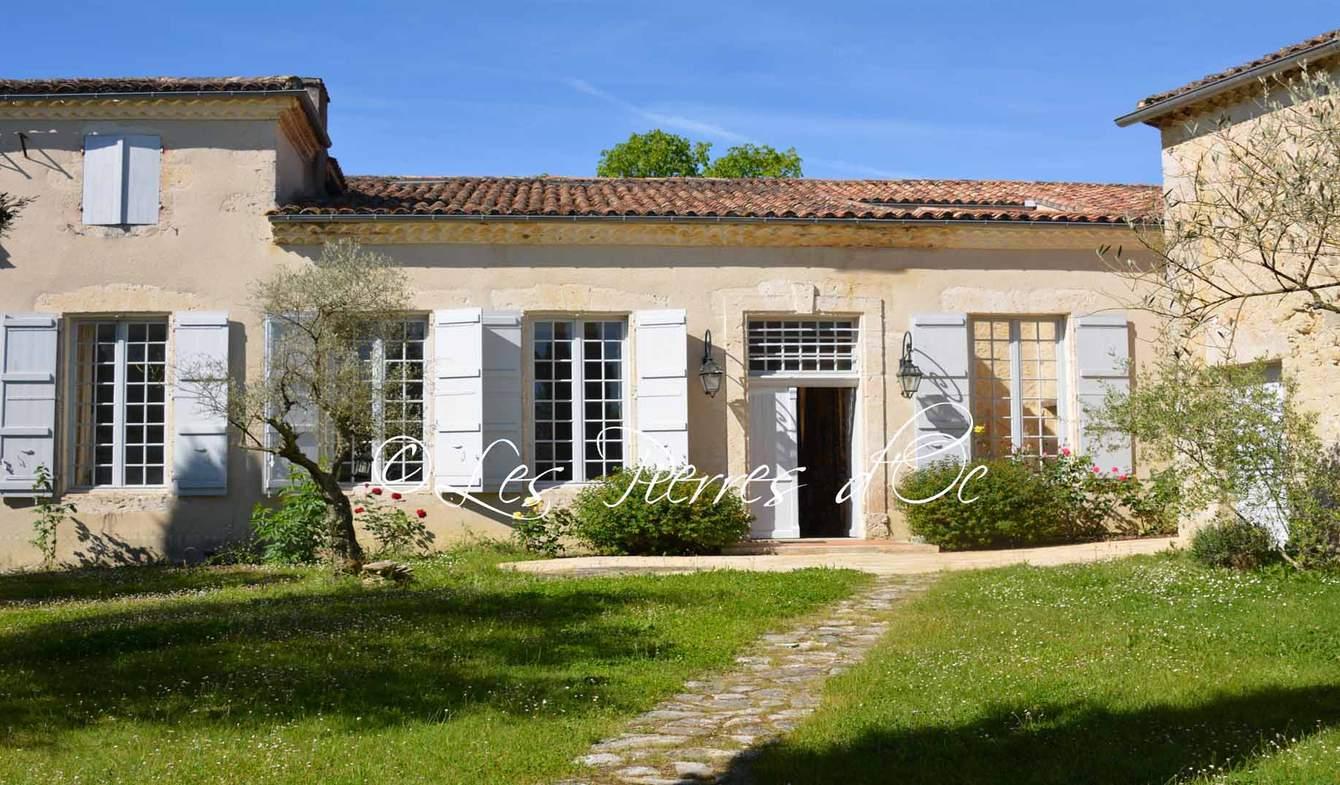 Maison avec piscine et jardin La Romieu