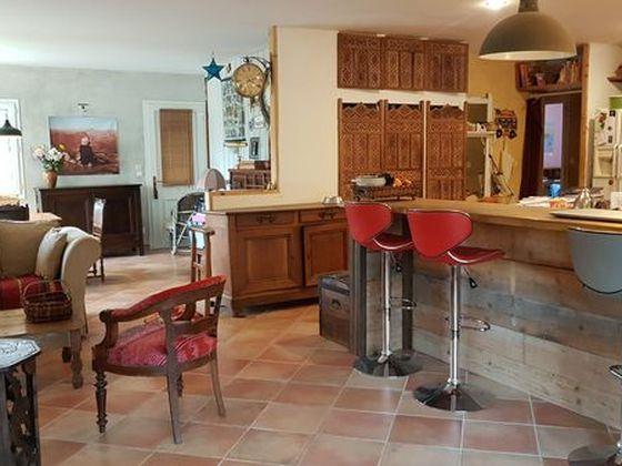 Location maison meublée 5 pièces 135 m2