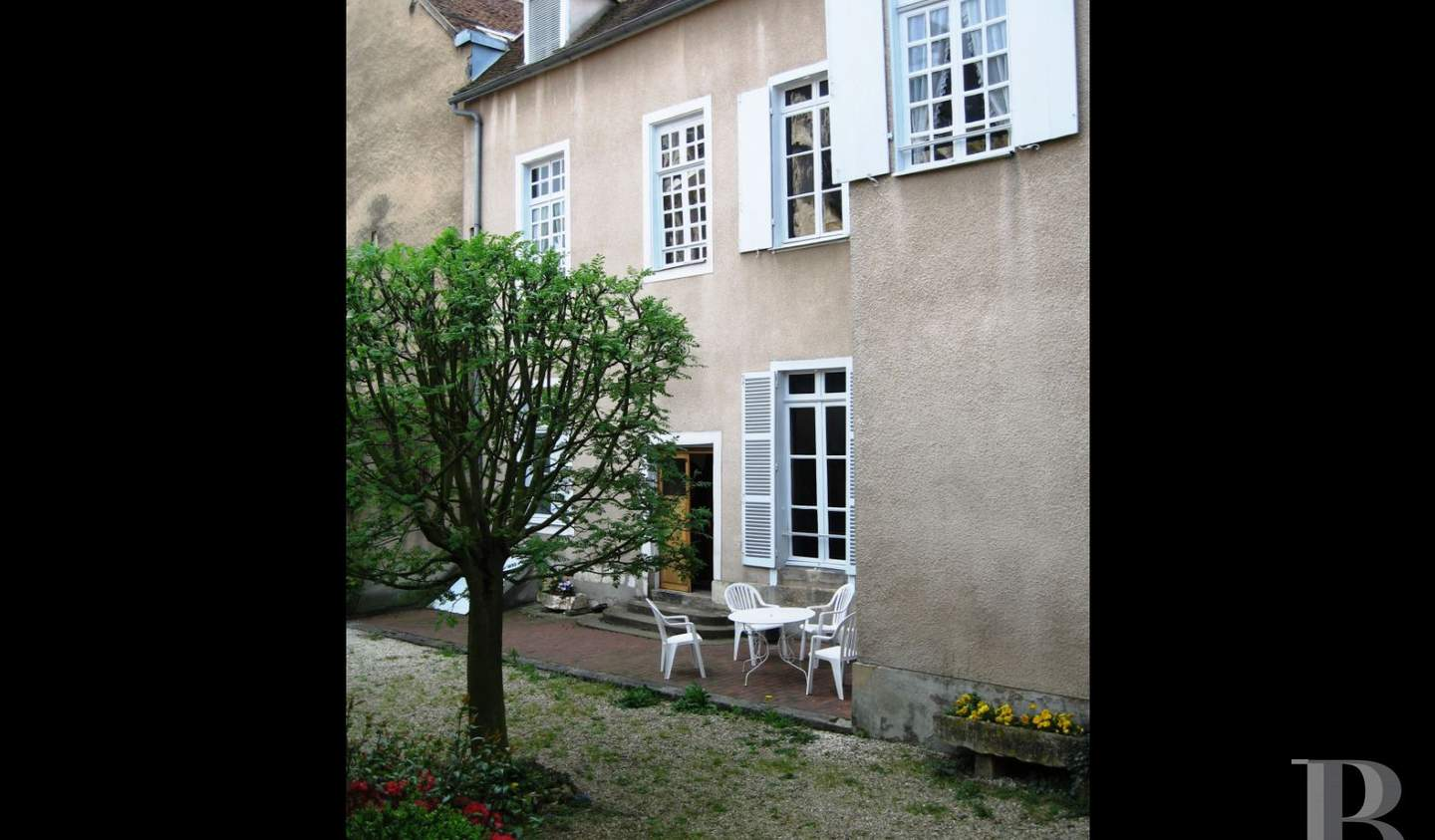 House Auxerre
