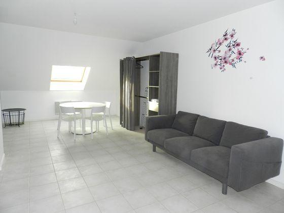 Location studio 41,02 m2