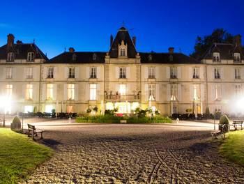 Château 35 pièces 1800 m2