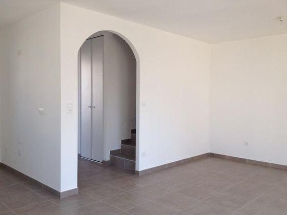 Location villa 3 pièces 67 m2