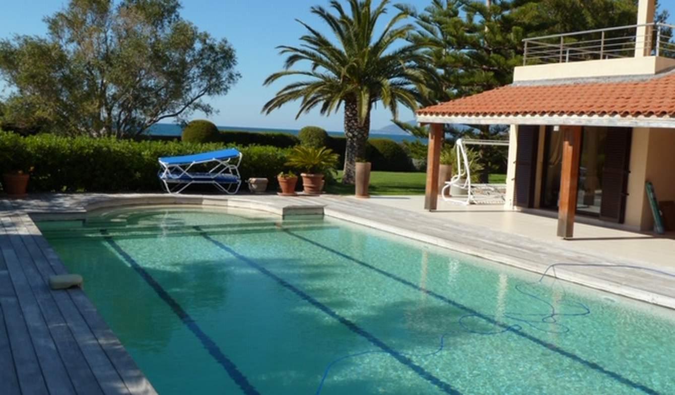 Propriété avec piscine en bord de mer Saint-Florent