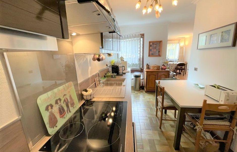 Vente appartement 3 pièces 75 m² à Bobigny (93000), 263 000 €