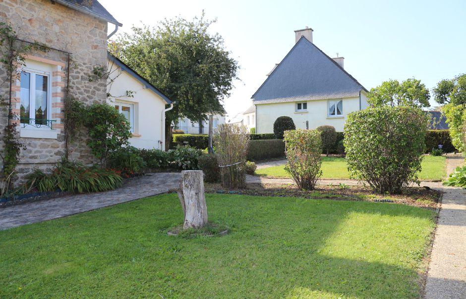 Vente maison 6 pièces 85 m² à Rostrenen (22110), 108 000 €