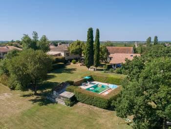 Château 11 pièces 350 m2
