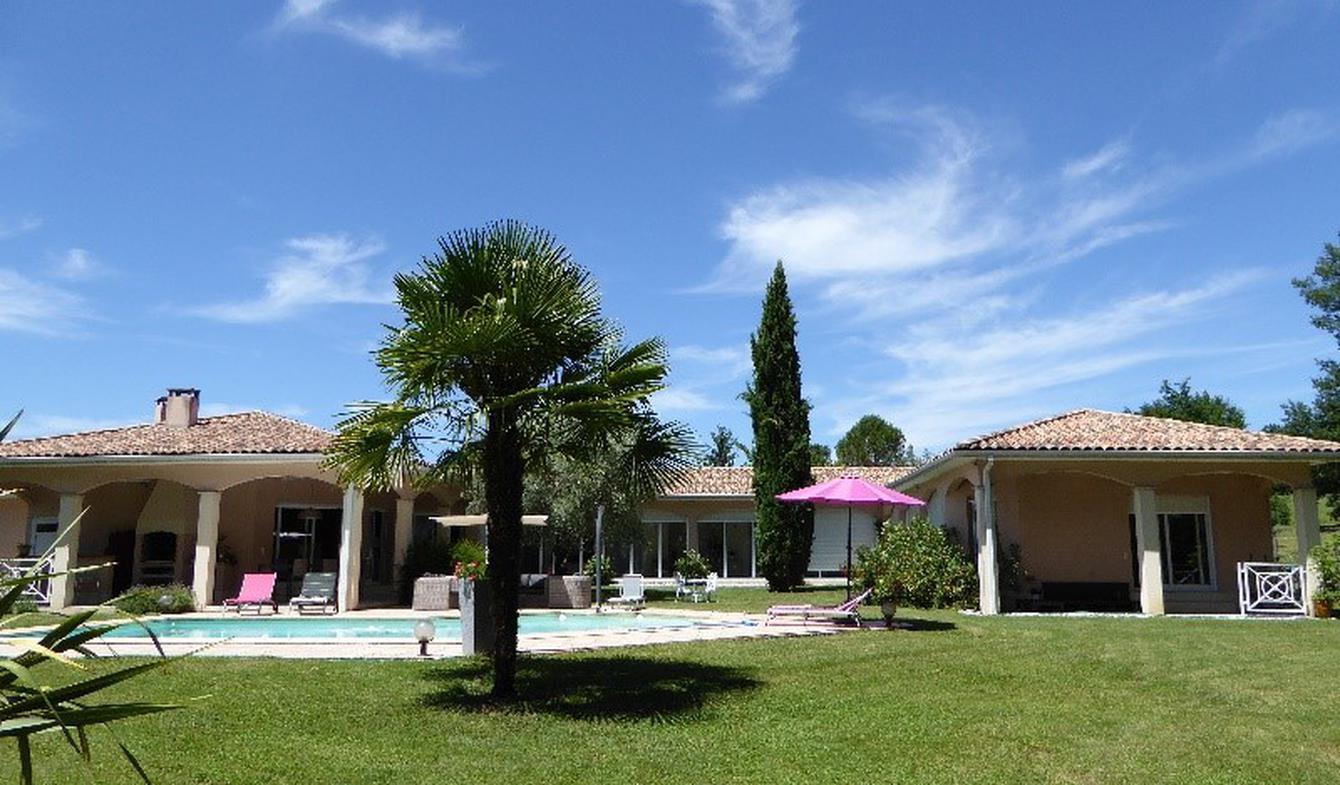 Maison avec piscine et terrasse Coutras