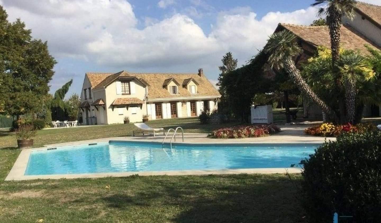 Property with pool Bréval