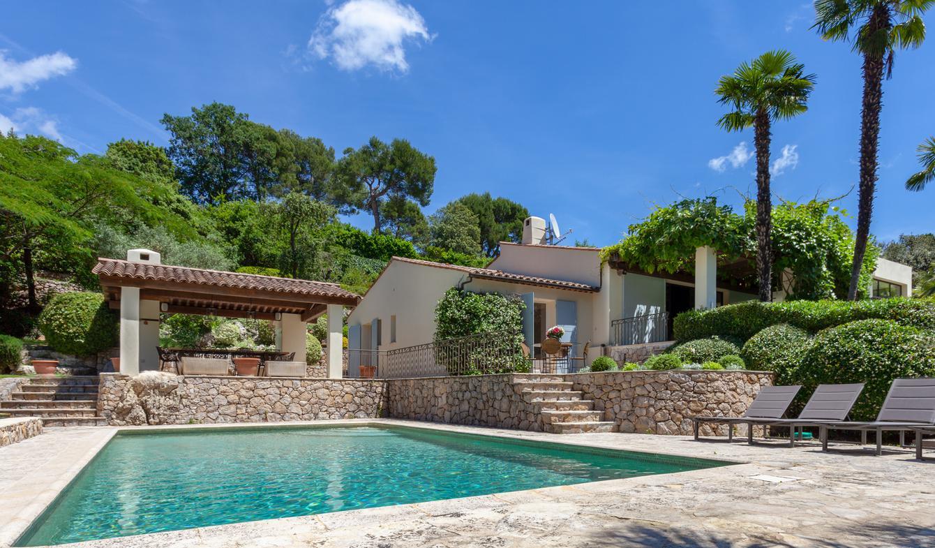 Villa with pool and garden Opio