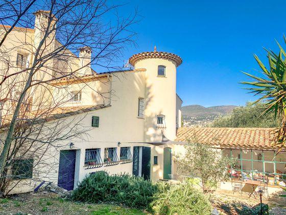 Vente maison 10 pièces 295 m2