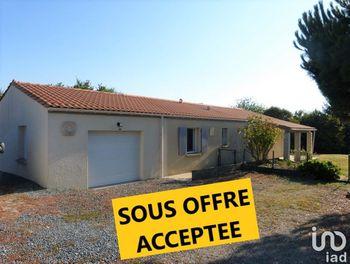 maison à Saint-Hilaire-de-Villefranche (17)