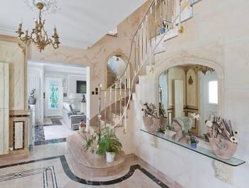Maison 9 pièces 314 m2