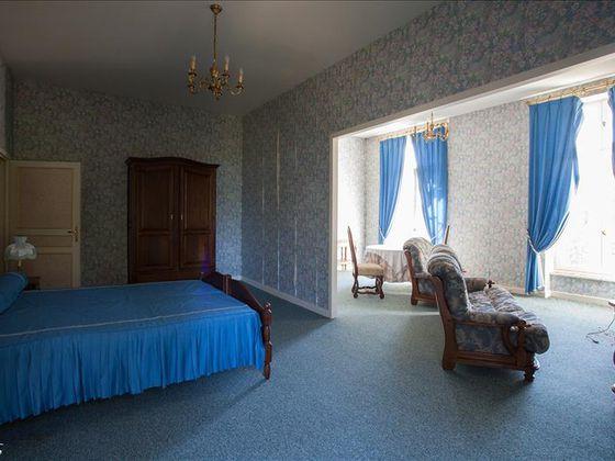 Vente maison 30 pièces 1350 m2