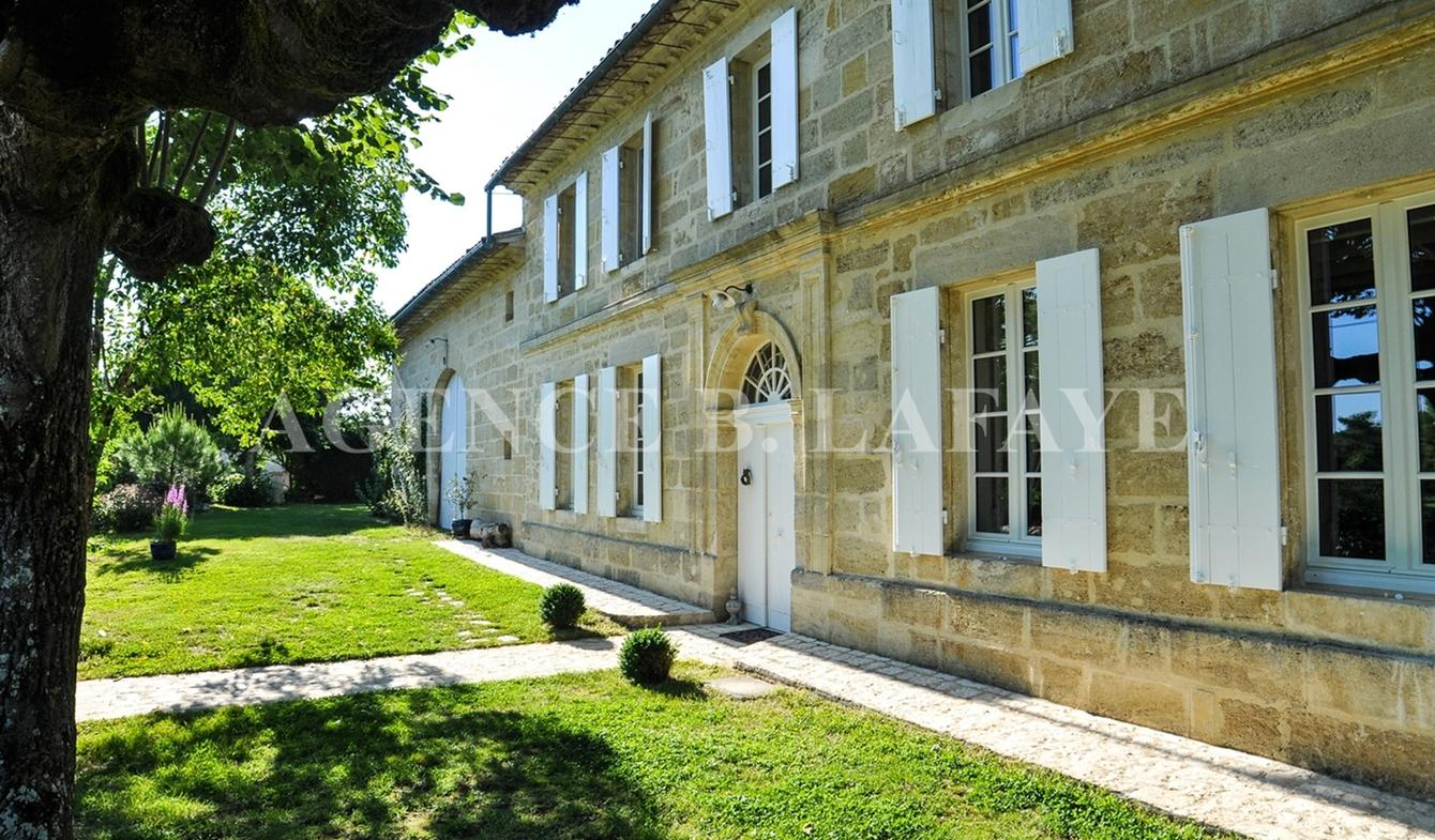 House with pool and garden Bordeaux
