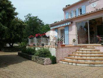 villa à Viens (84)