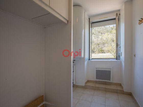 Location appartement 4 pièces 76,2 m2