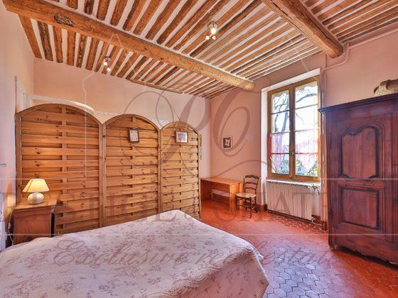 Vente propriété 20 pièces 500 m2
