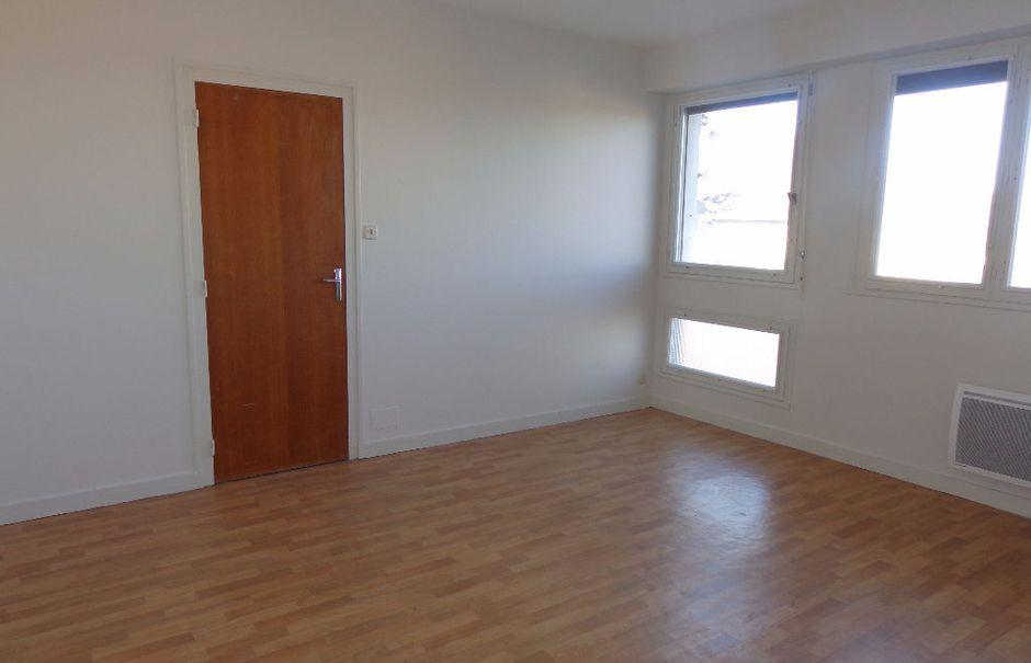 Location  studio 1 pièce 35 m² à Aire-sur-l'Adour (40800), 288 €