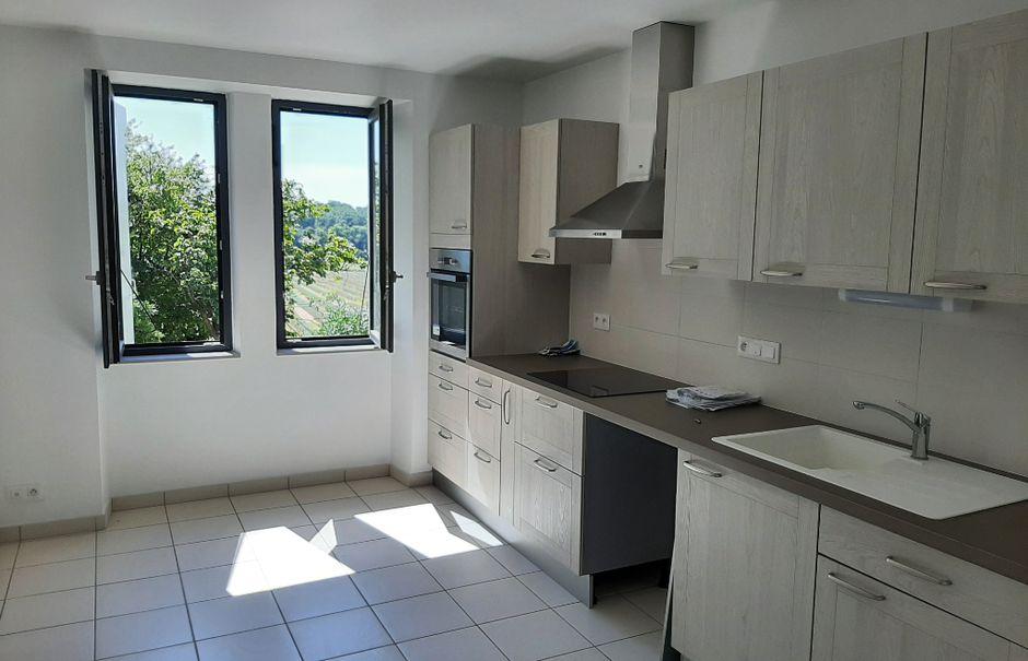 Location  appartement 3 pièces 73 m² à Savasse (26740), 629 €