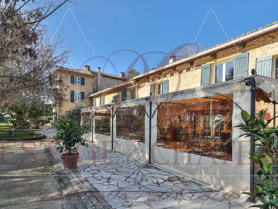 Vente maison 18 pièces 678 m2