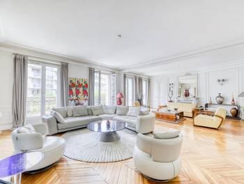 Appartement 8 pièces 302 m2