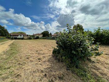 terrain à Villeneuve-de-Marsan (40)