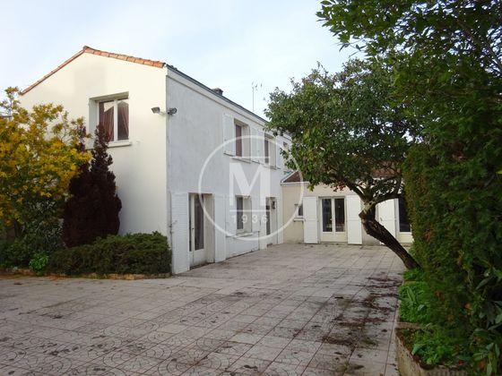 Vente maison 14 pièces 395 m2