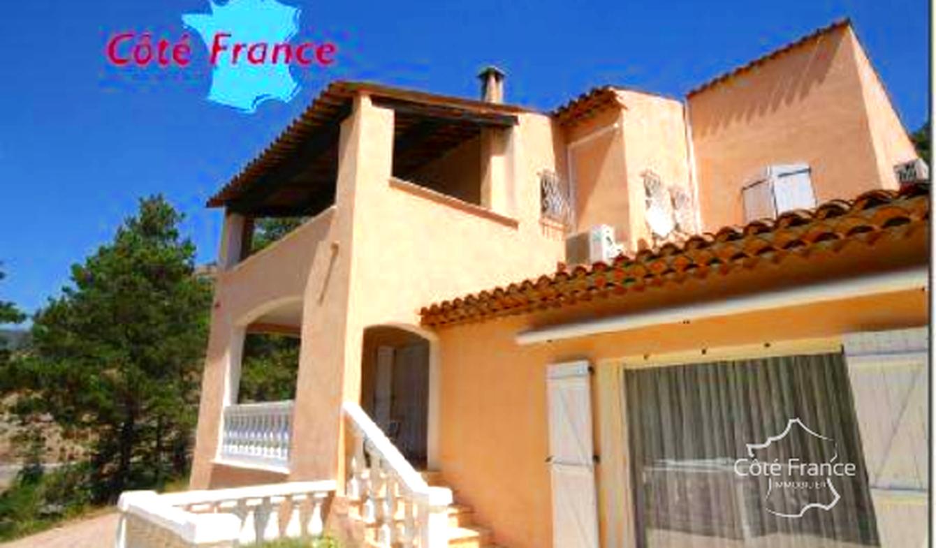 Maison avec terrasse Collongues