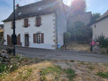 maison à Junhac (15)