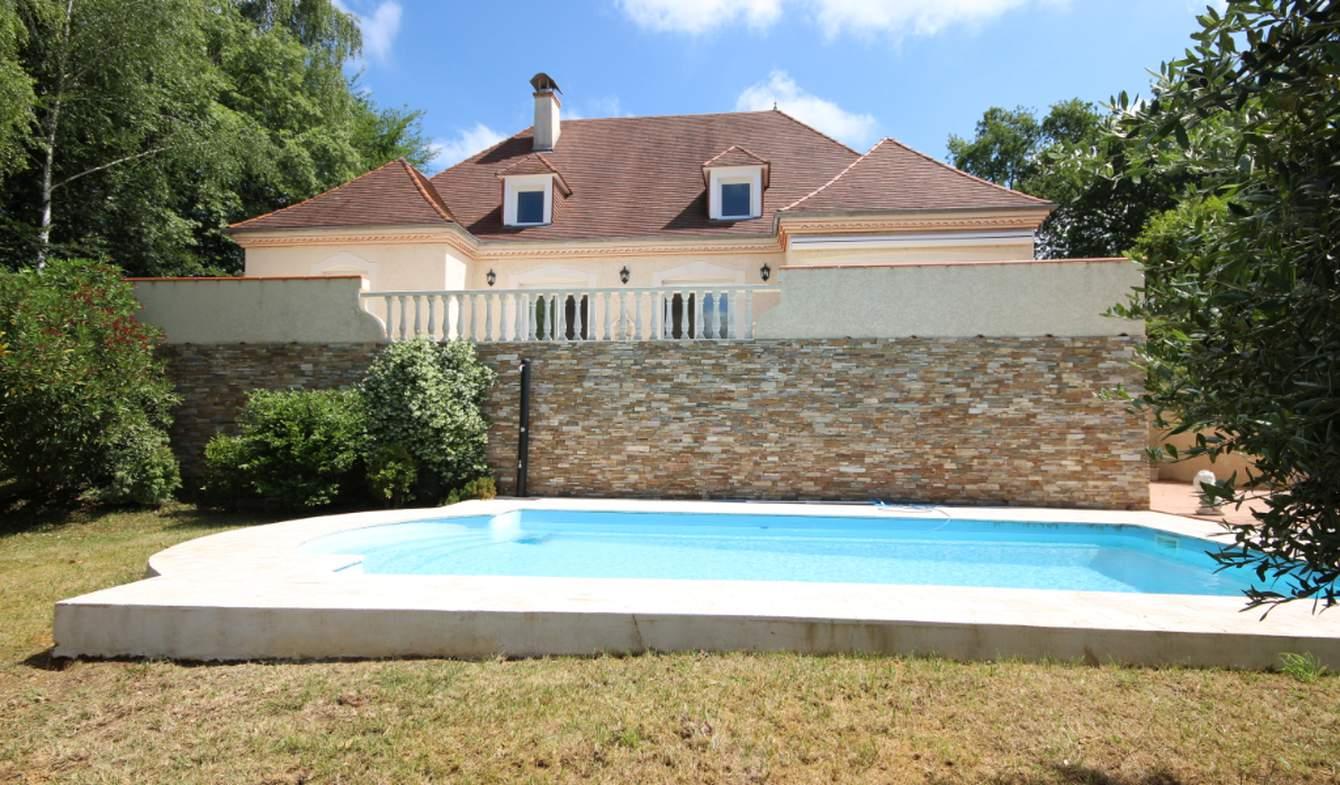 Maison avec piscine et jardin Aubertin