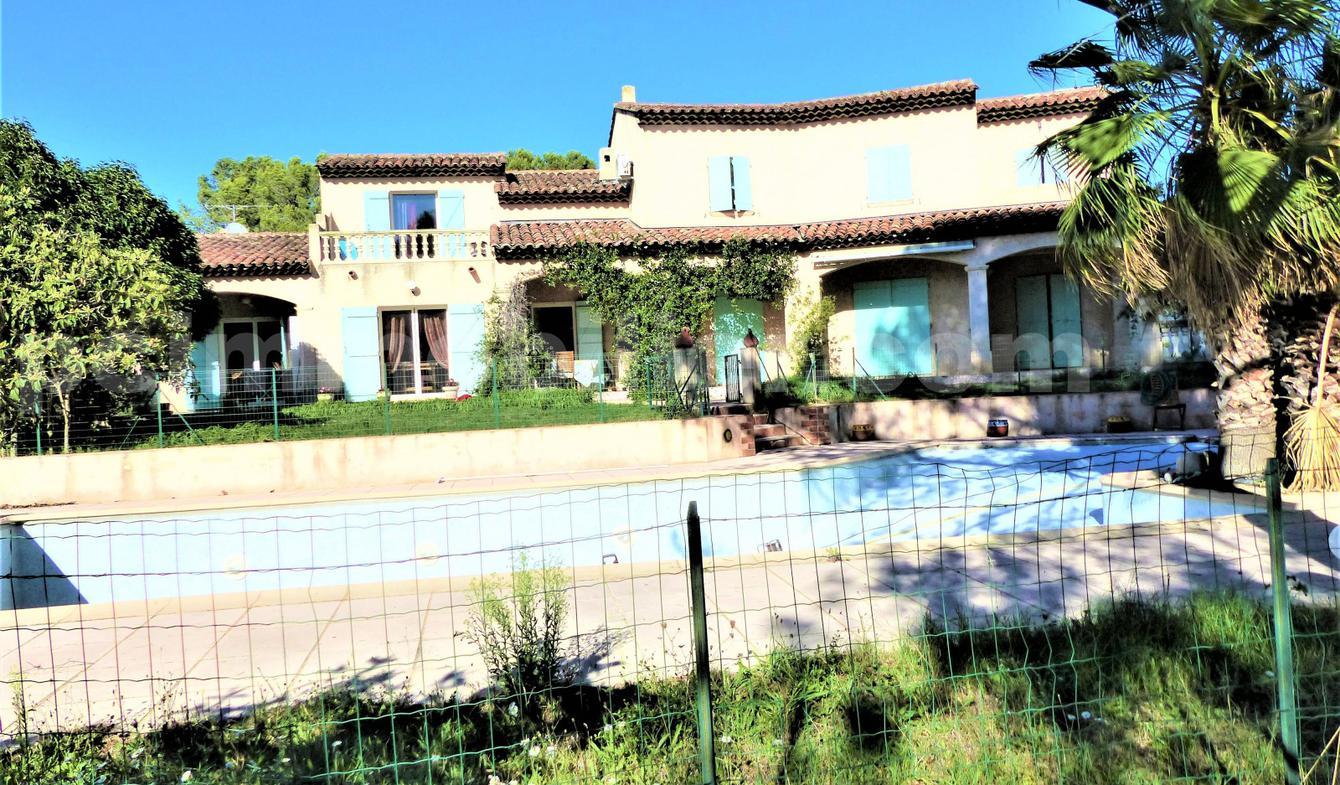 Maison avec piscine et terrasse Puget-sur-Argens