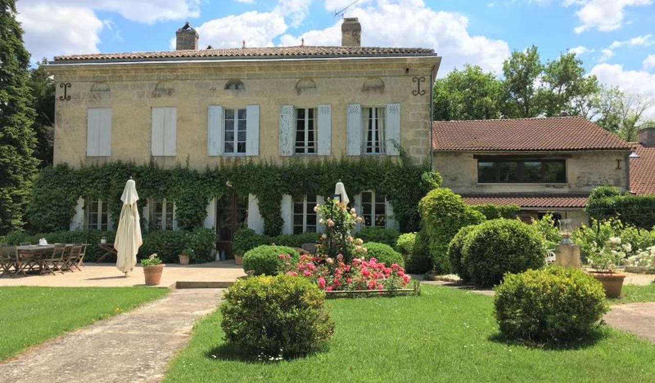 Maison avec piscine et terrasse Espiet