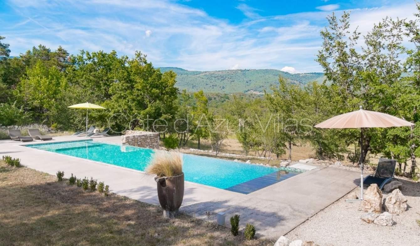 Villa avec piscine et jardin Ampus