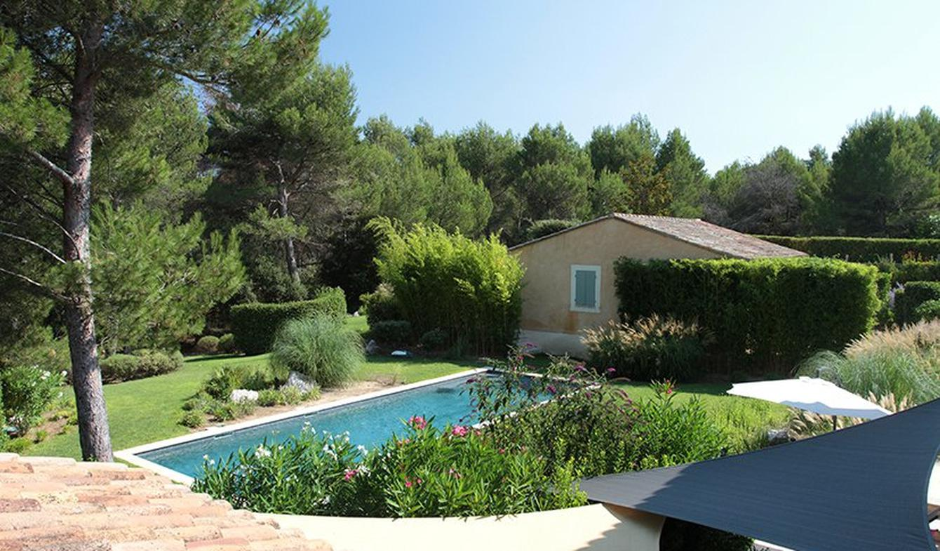 Villa with pool and garden Mallemort