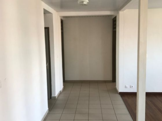 Location appartement 3 pièces 90 m2