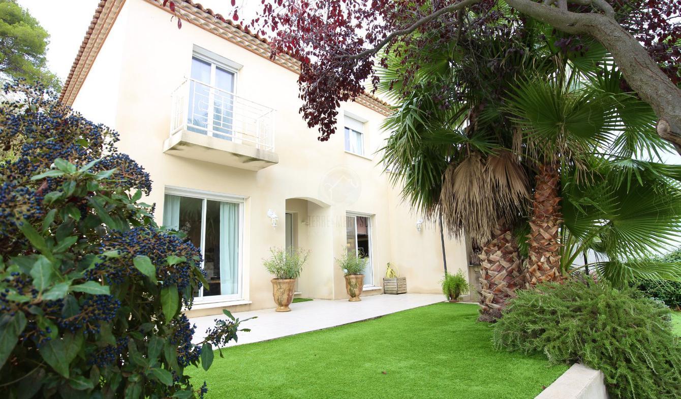 Villa avec piscine et terrasse Creissan