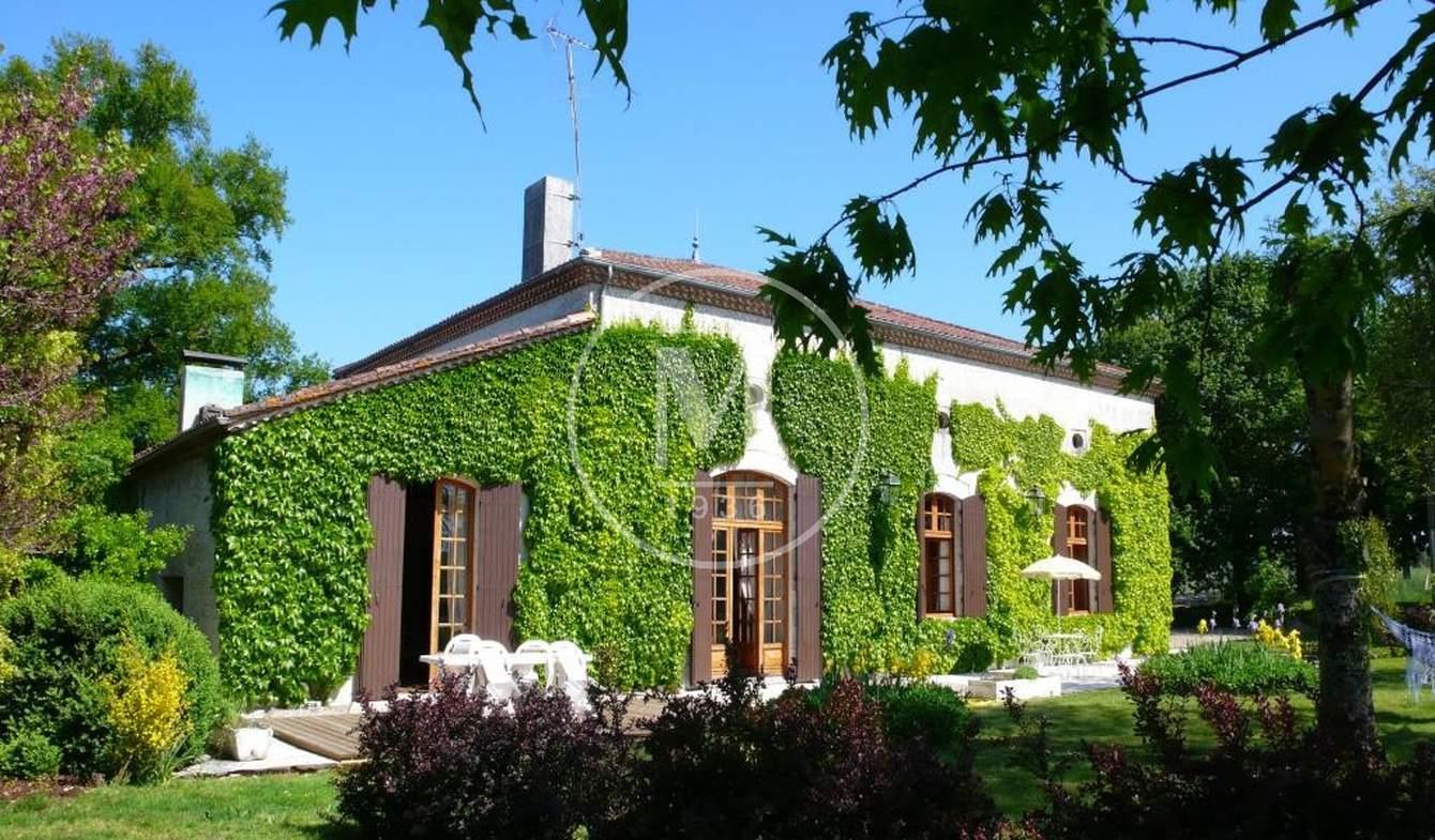 Maison avec piscine Bordeaux
