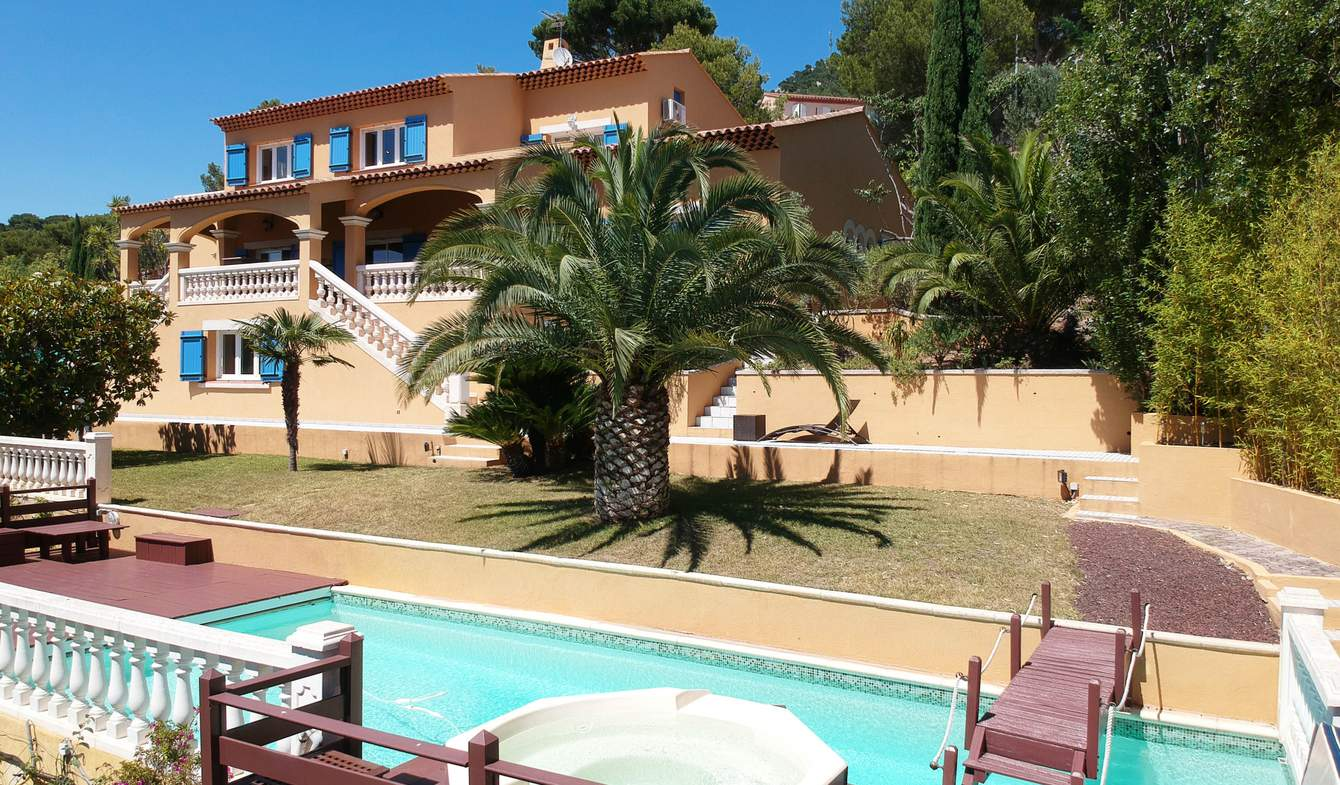 House with pool and terrace Toulon
