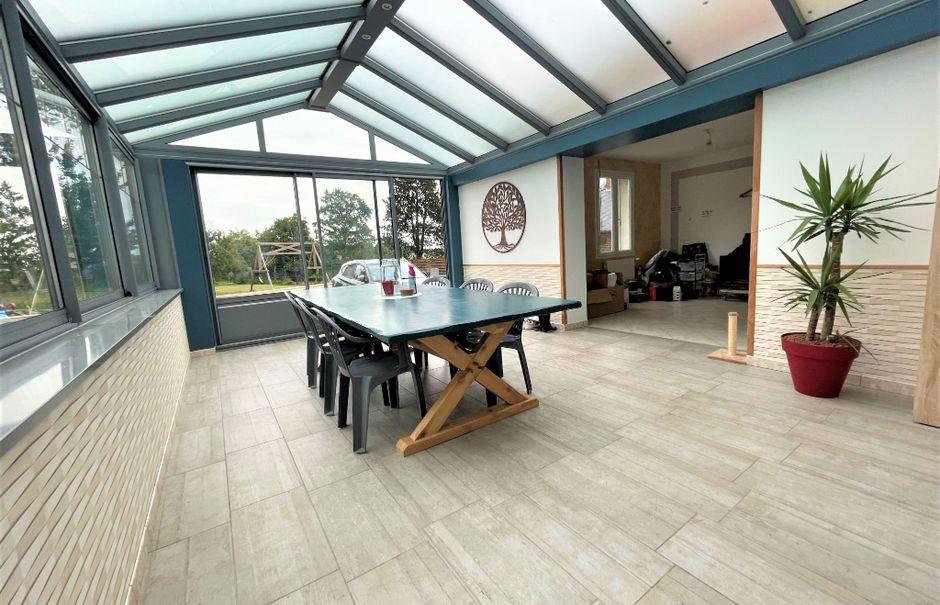 Vente maison 7 pièces 205 m² à Saint-Quentin (02100), 196 900 €