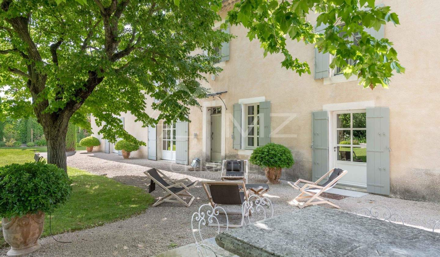 Property with pool and garden Saint-Andiol