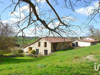 maison à Vernoux-en-Gâtine (79)