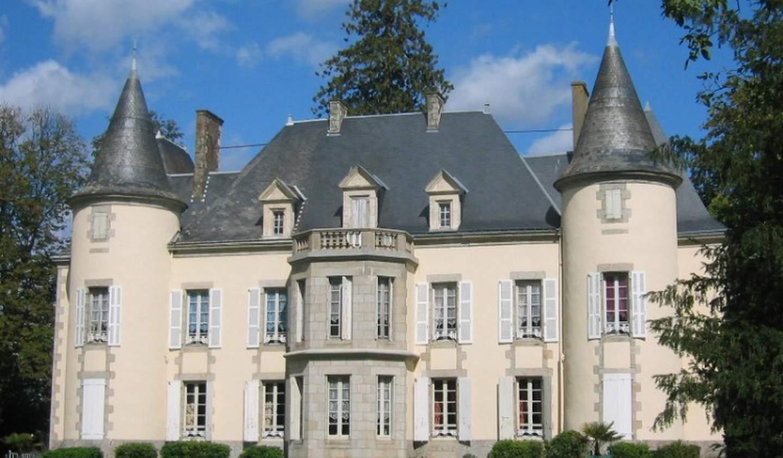 Castle Saint-Denis-la-Chevasse