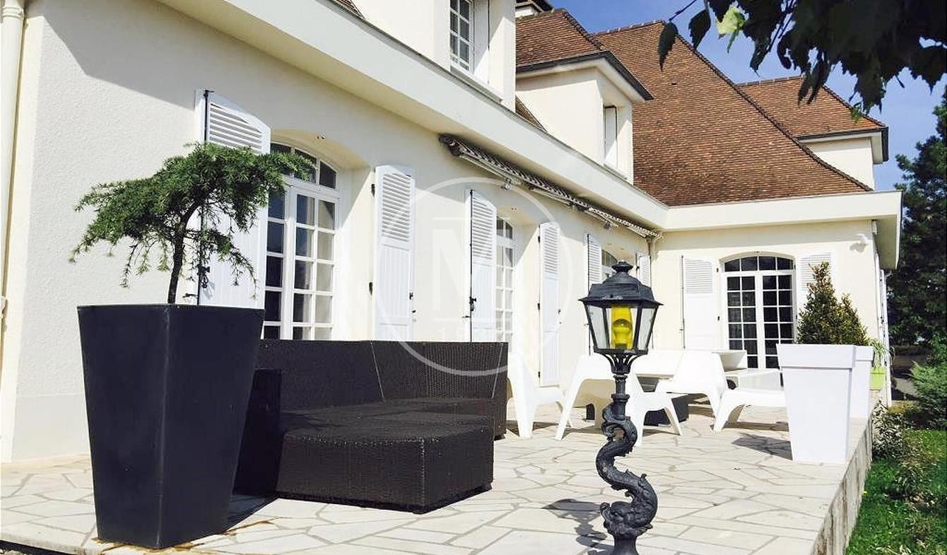 Villa avec terrasse Ceyrat