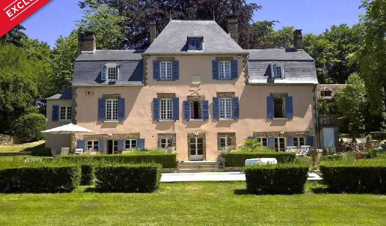 House with terrace Saint-Fargeau