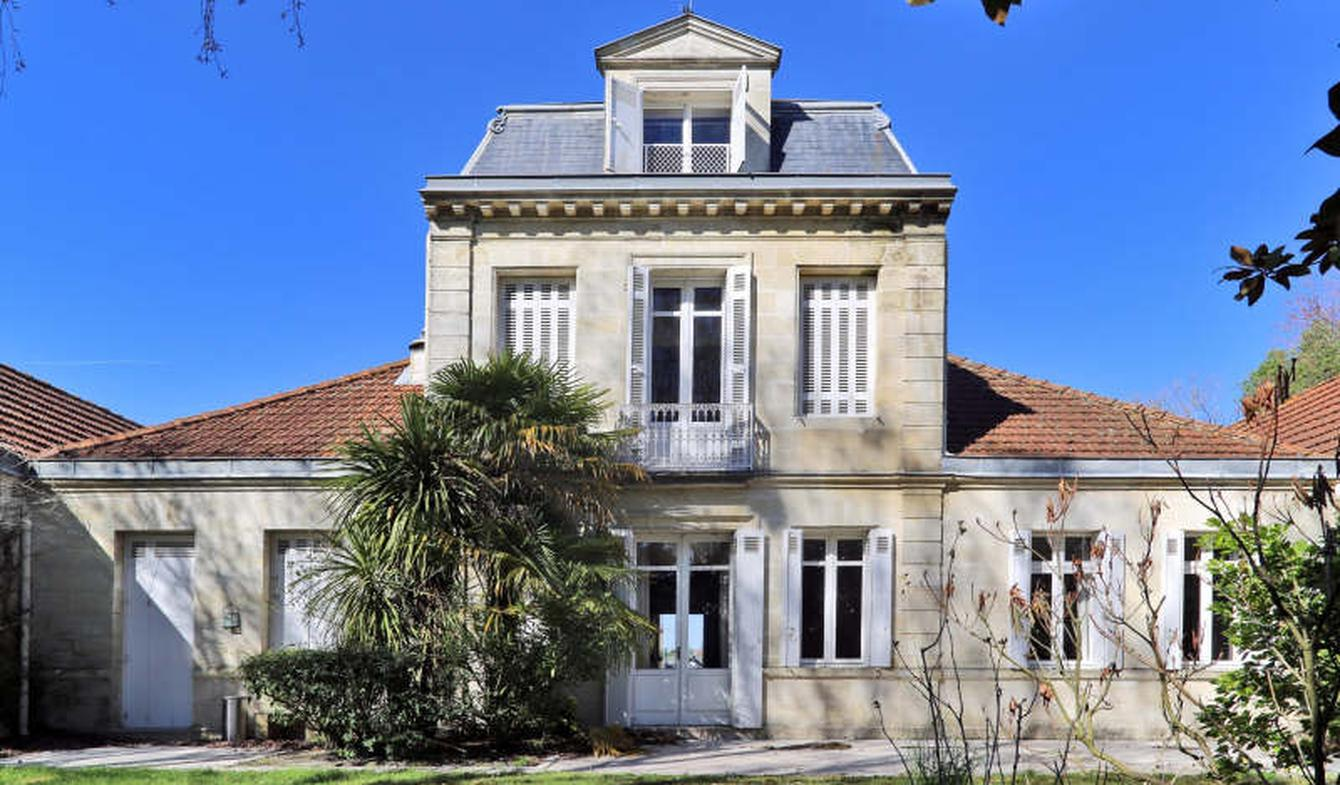 House with terrace Pessac