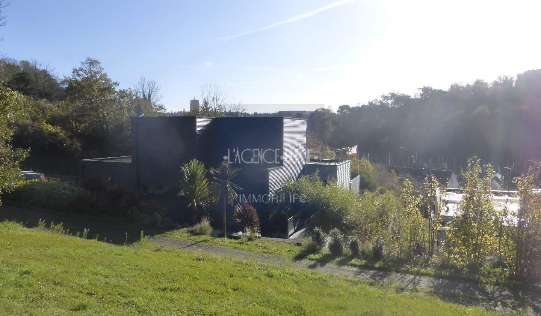 Maison contemporaine avec jardin et terrasse Plerin
