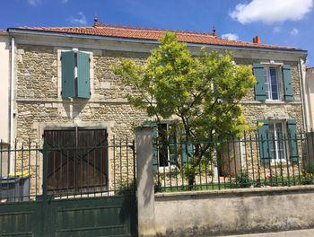maison à Saint-Pierre-d'Amilly (17)