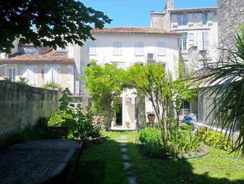 locaux professionels à Angouleme (16)